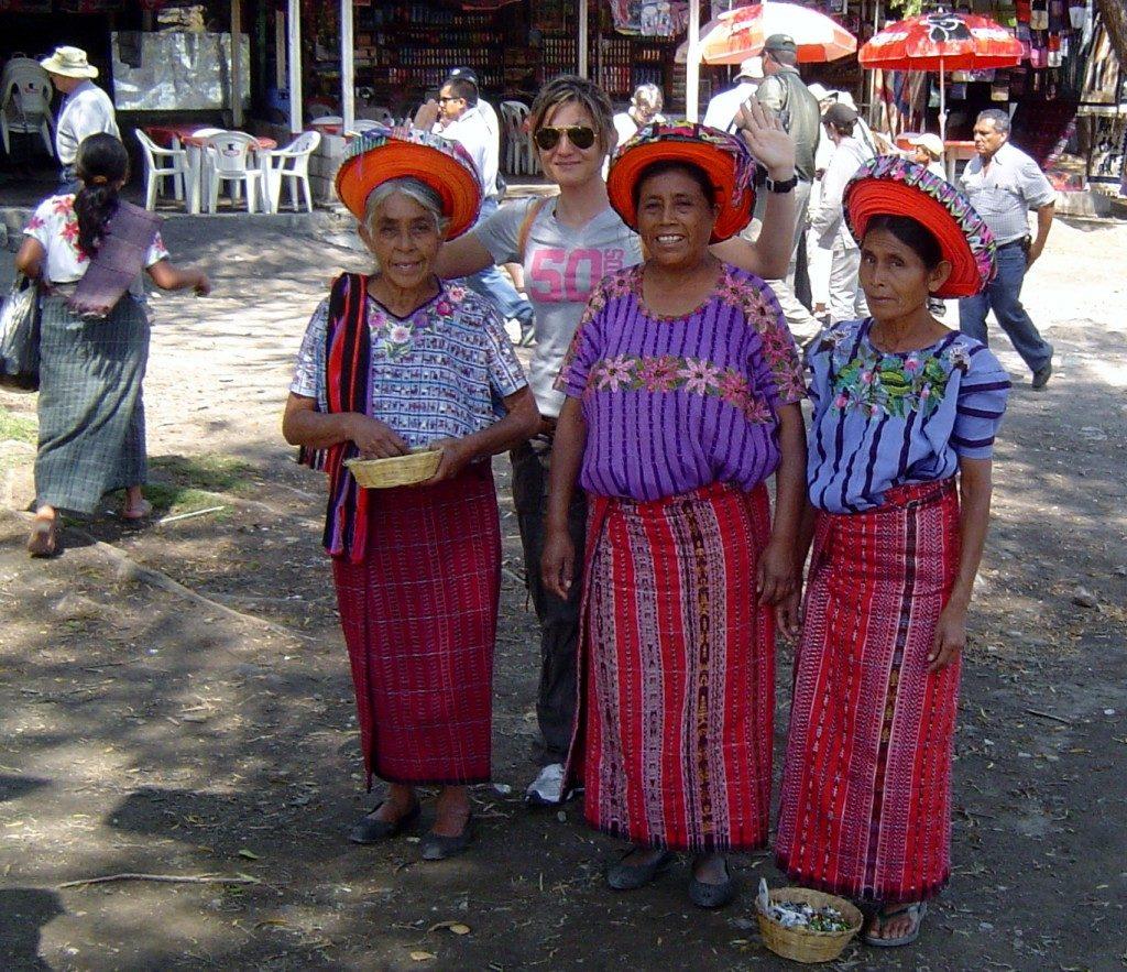 Assieme alle donne del lago Atitlan
