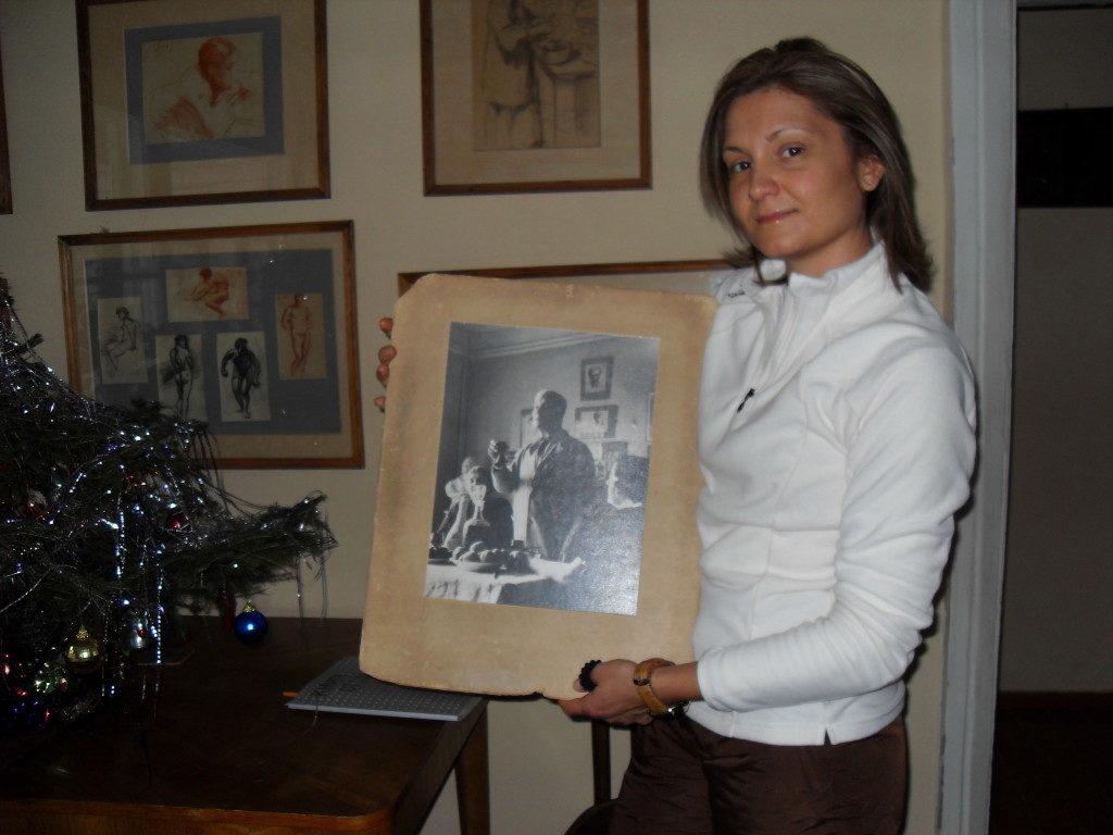 Proprio nella sala in cui brindo' al Nobel, una foto ricorda l'evento!!