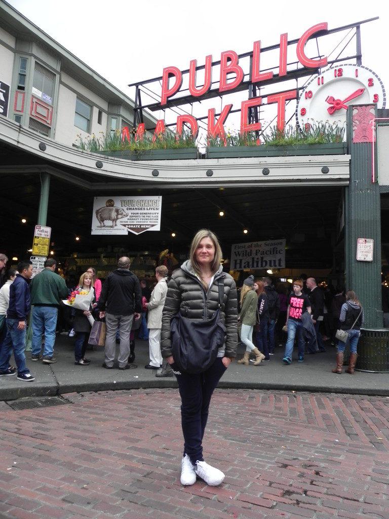 Appena arrivata, Pike Market Place