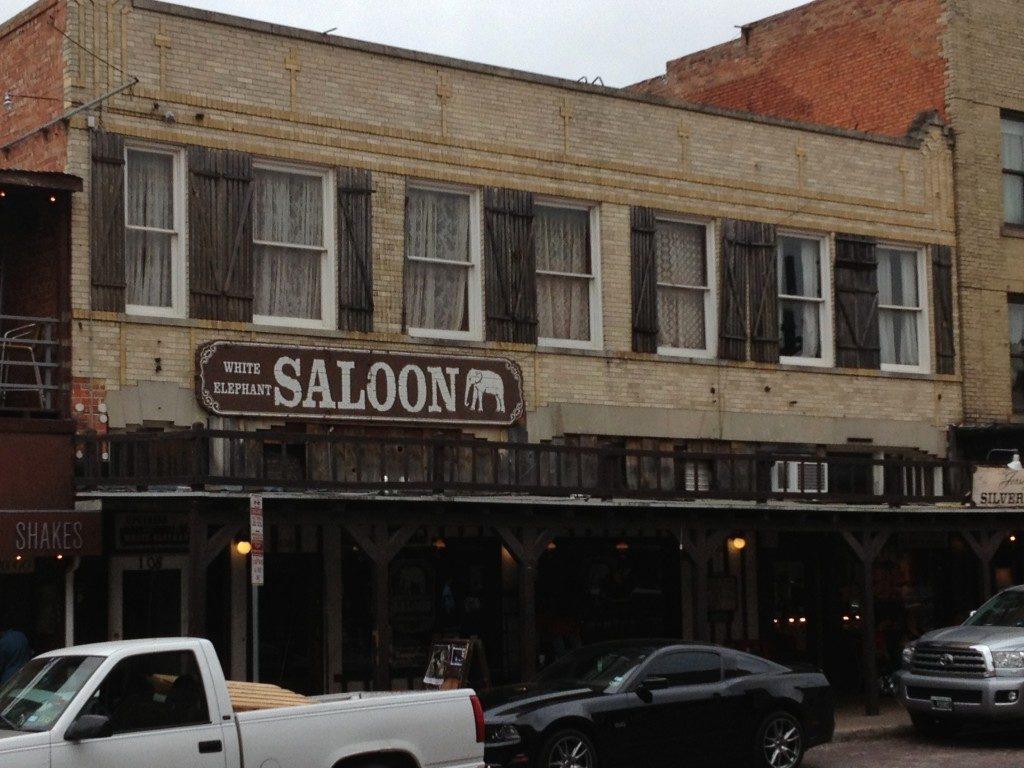 C'e' anche il Saloon...