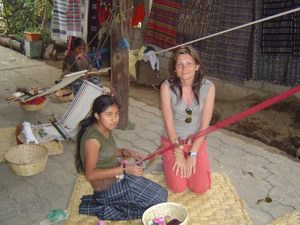 Con una tessitrice del lago Atitlan