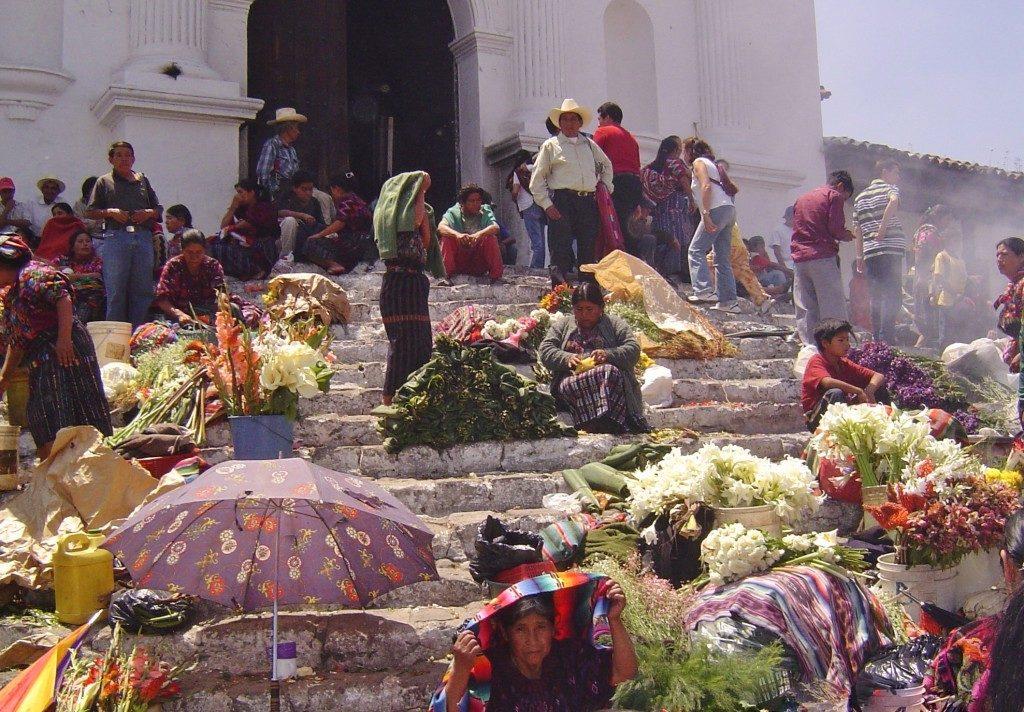 Guatemala, sulle scale di San Tomàs...