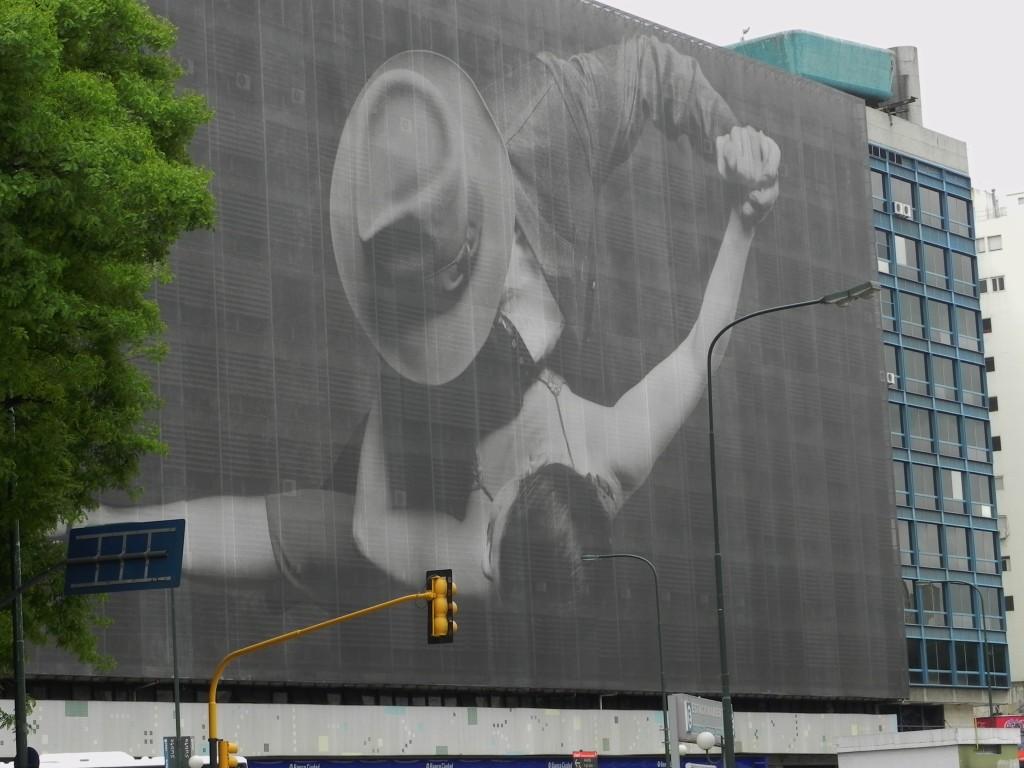 A Buenos Aires il tango e' ovunque...