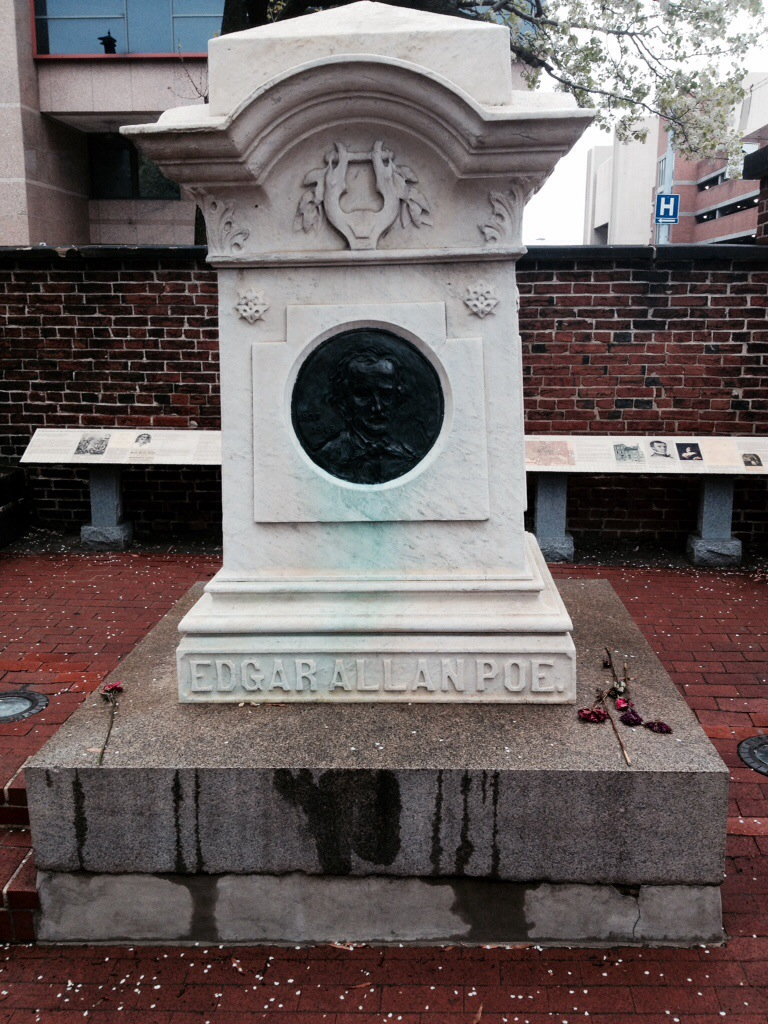 La tomba di Egdard Allan poe