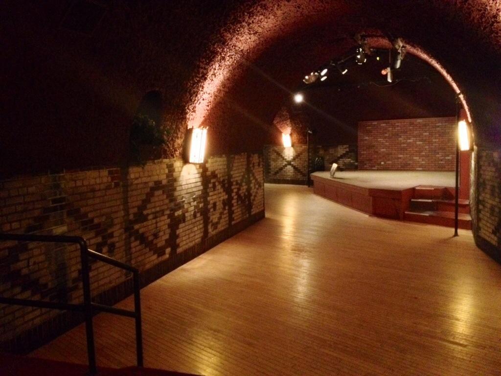 Il night club nelle Cave, attivo ancora oggi...