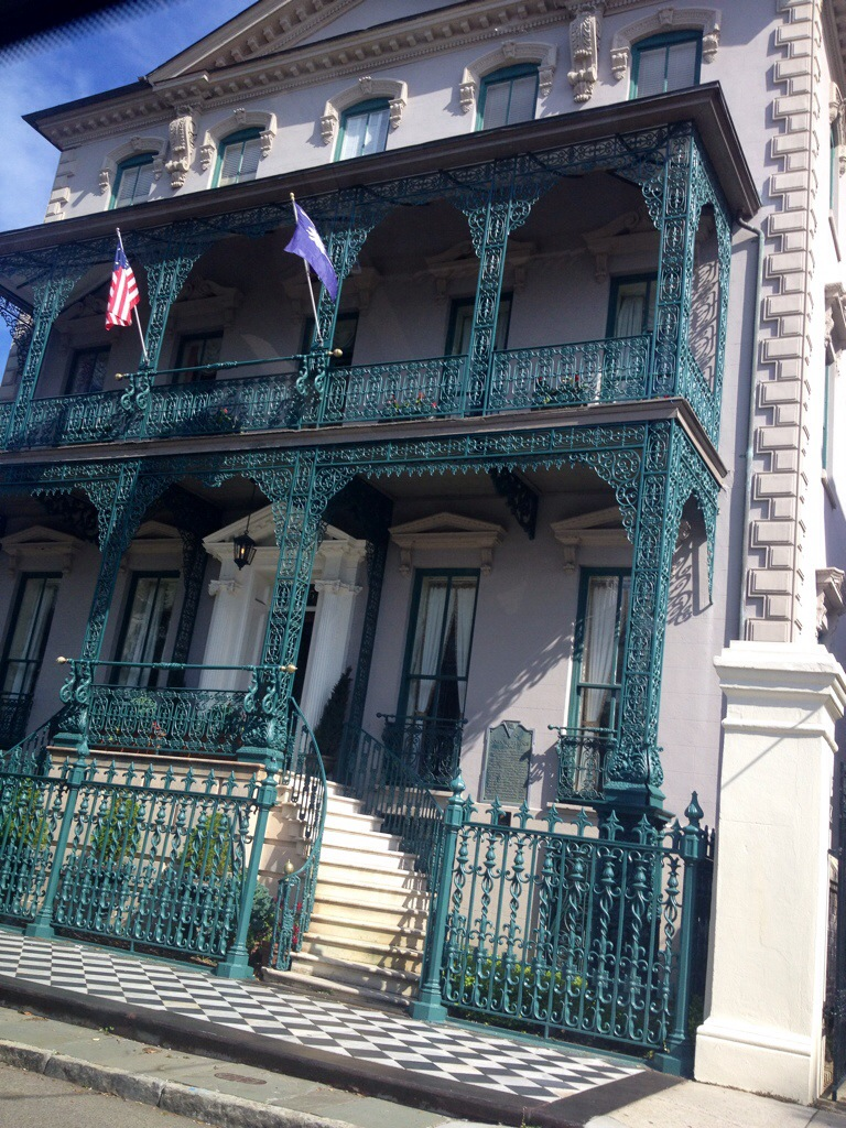 Charleston Old House Style