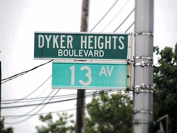 Dyker Heights – sign