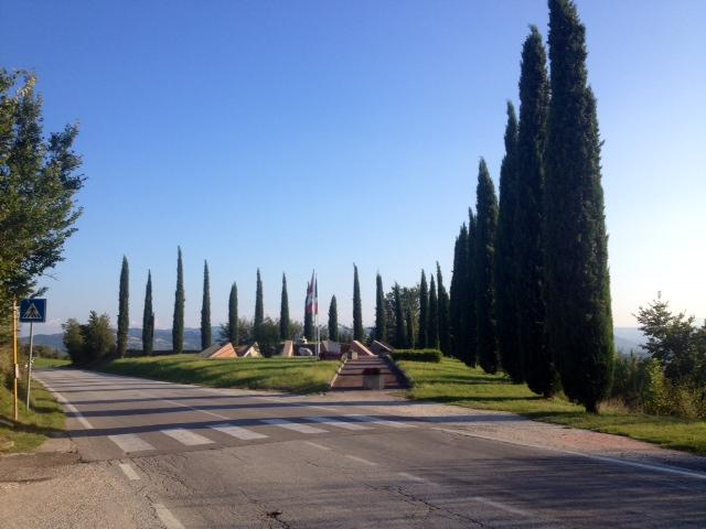 """Monumento dedicato alla """"presa"""" della Linea Gotica"""