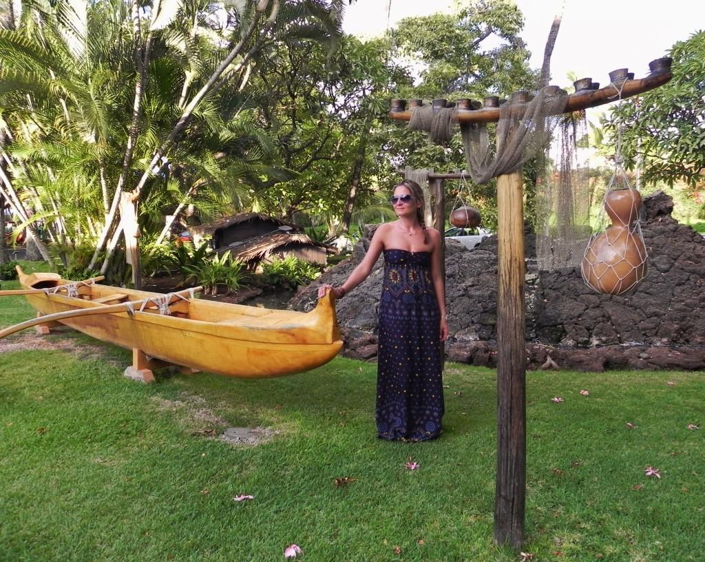 Immersa nelle antiche tradizioni hawaiane