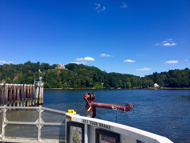 Chester Hydlyme Ferry, vista sul Gillette Castle