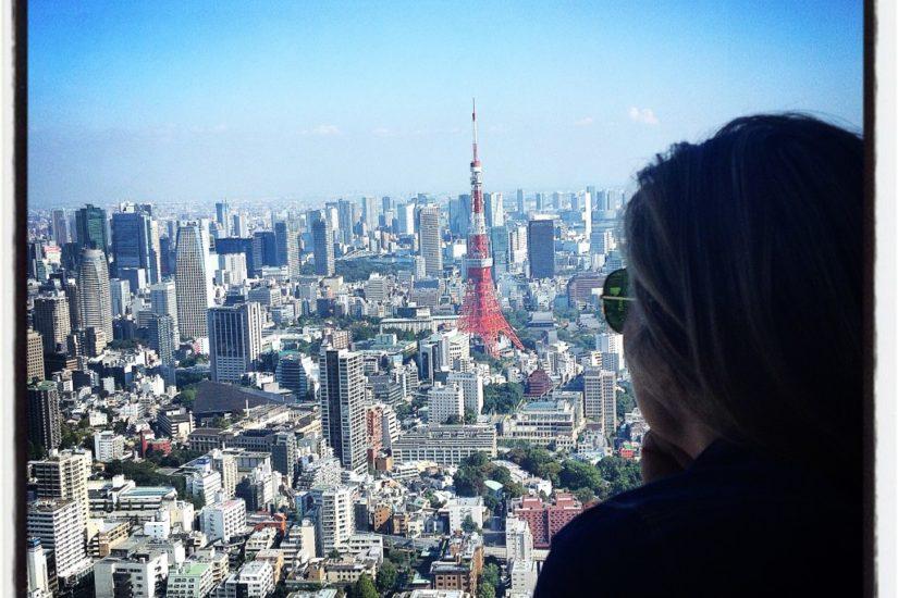 Tokyo, vista della Tokyo Tower dalla Mori Tower