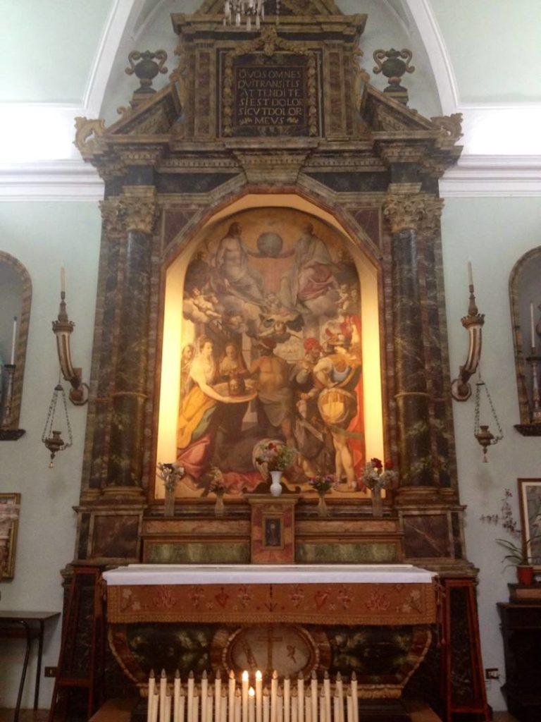 L'altare cinquecentesco della Chiesa dei Morti