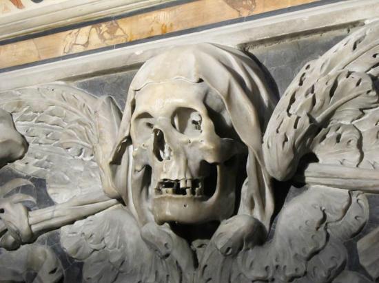 Il teschio alato di Santa Maria delle Anime del Purgatorio