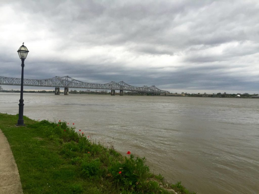 Itineraries in Mississippi: Natchez, sunset on the Mississippi River