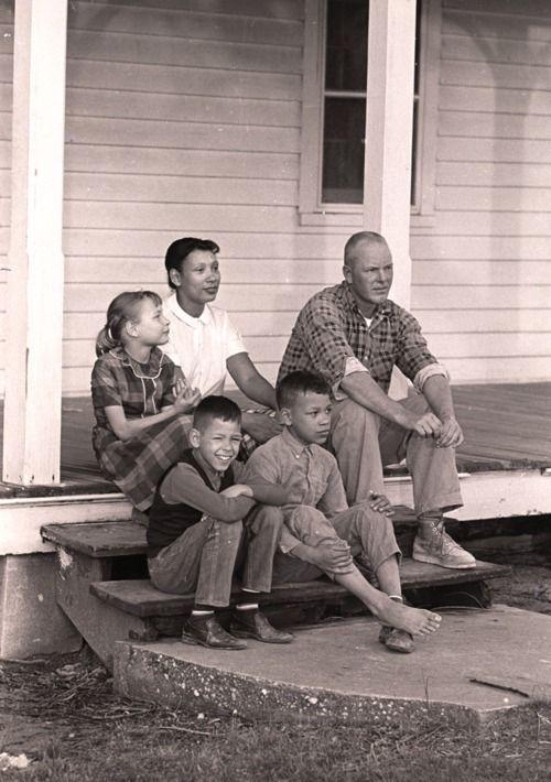 Mildred e Richard Loving con i loro figli a Central Point