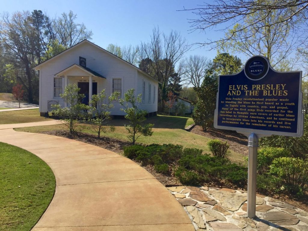 Things to do in Mississippi: the Church frequented by the little Elvis