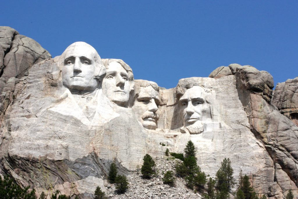 Among the journeys to do in 2017 to the USA, the Real America – Mount Rushmore National Memorial