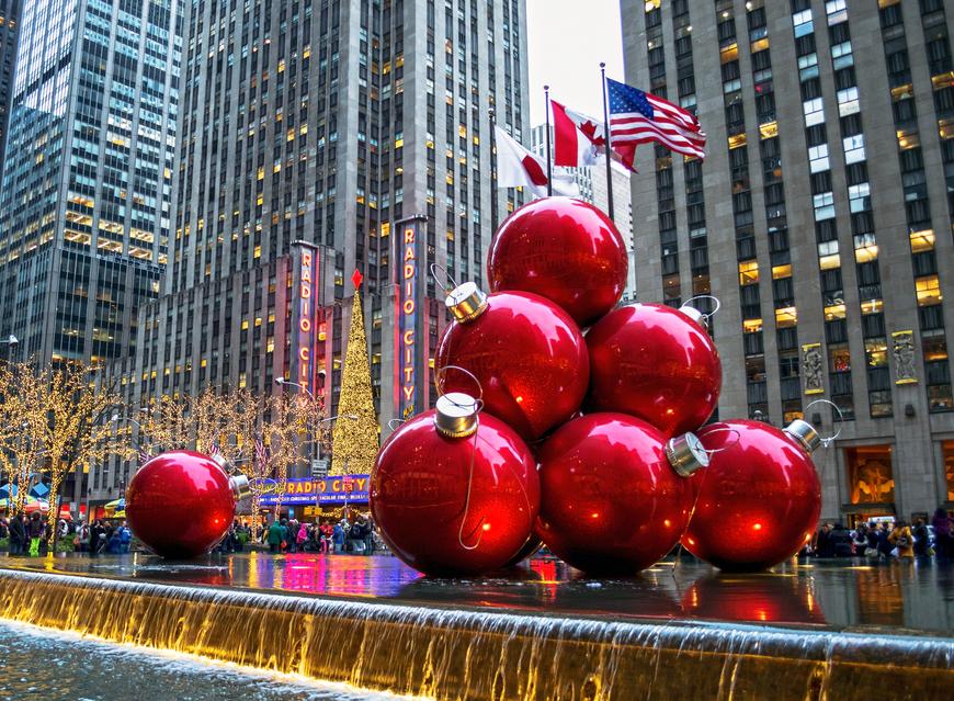 Natale a New York: decorazioni nei pressi del Radio City Music Hall