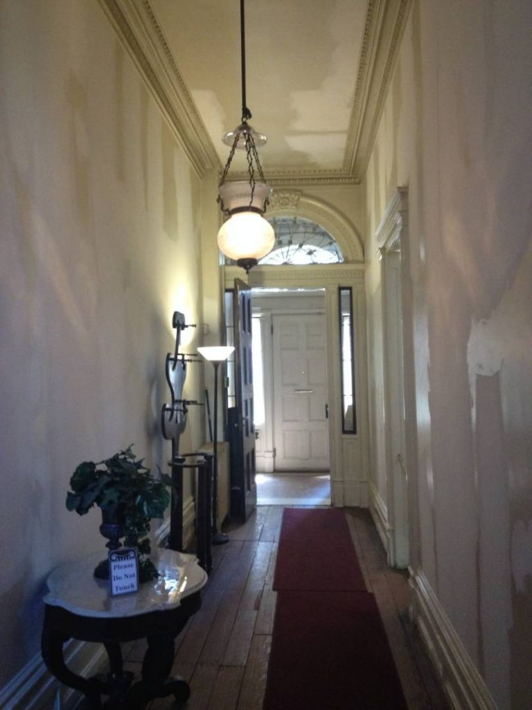 Secret New York: the Merchant's House, the corridor at the first floor