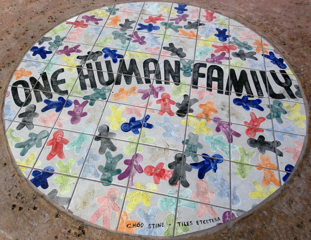 """Cose da fare a Key West: """"One Human Family""""- Conch Republic - nei pressi del Southernmost Point"""