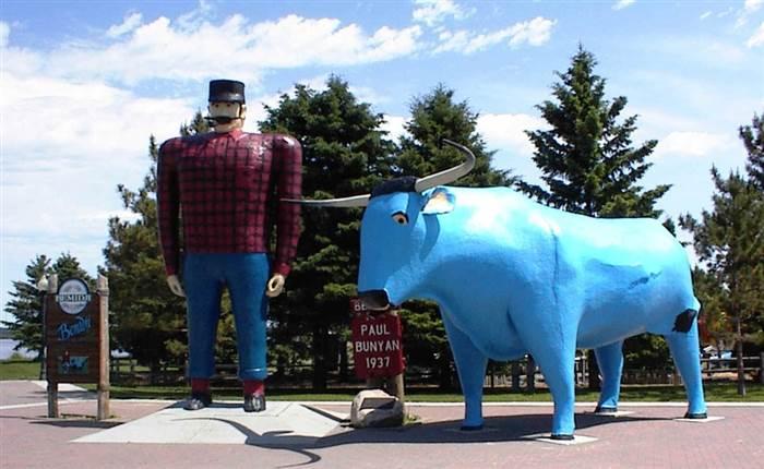 Viaggio in Minnesota: Paul Bunyan ed al suo bue blu Babe