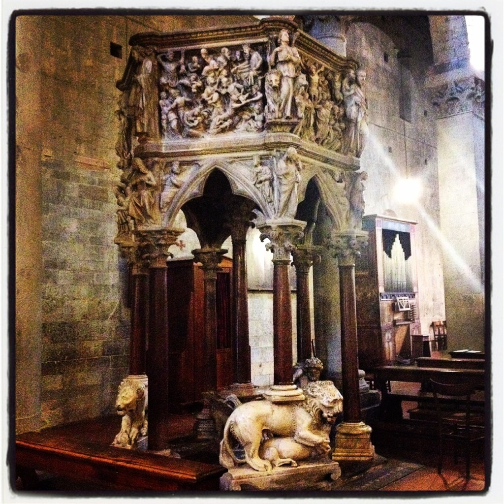 Chiesa di Sant'Andrea, il Pulpito di Giovanni Pisano