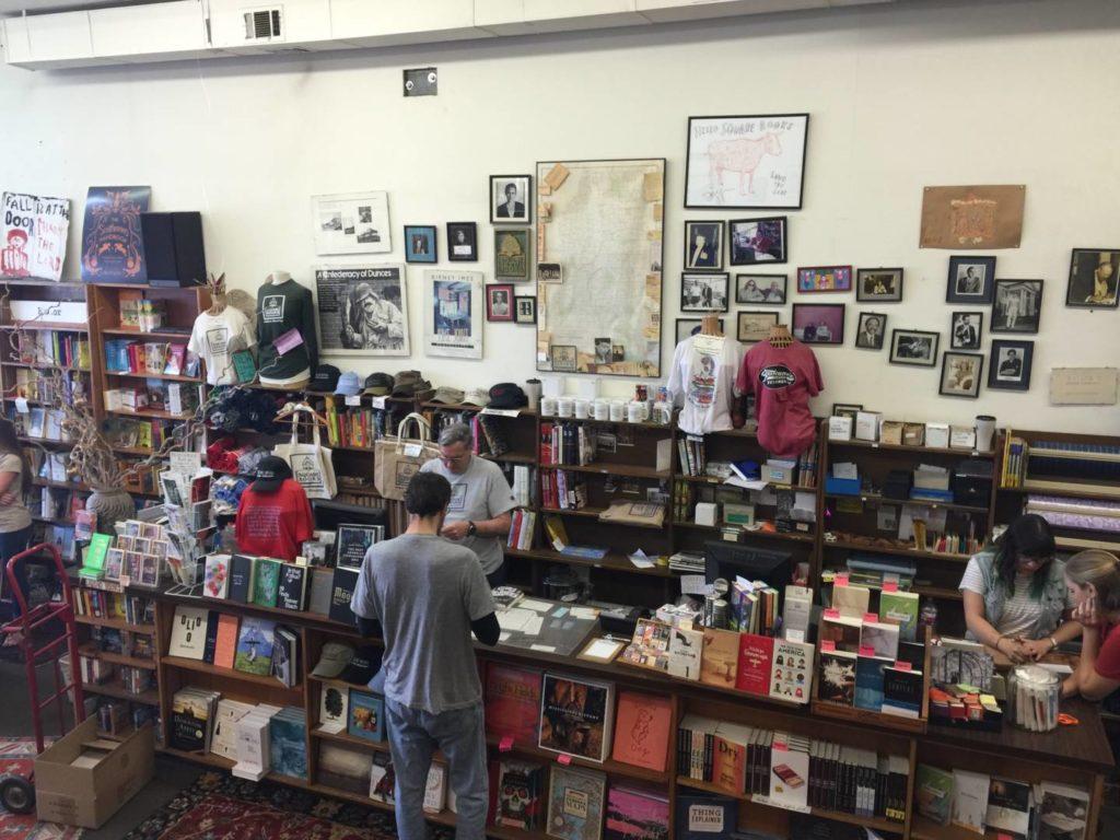 Discovering Oxford: The Square Books