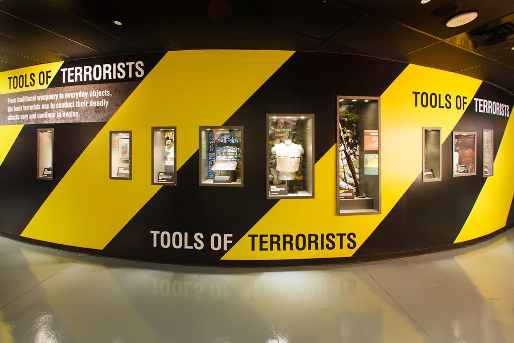 """The Cell, gli """"strumenti"""" del terrorismo (ph. credits thecell.org)"""