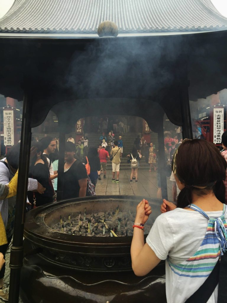 Tokyo, preghiera e tradizione