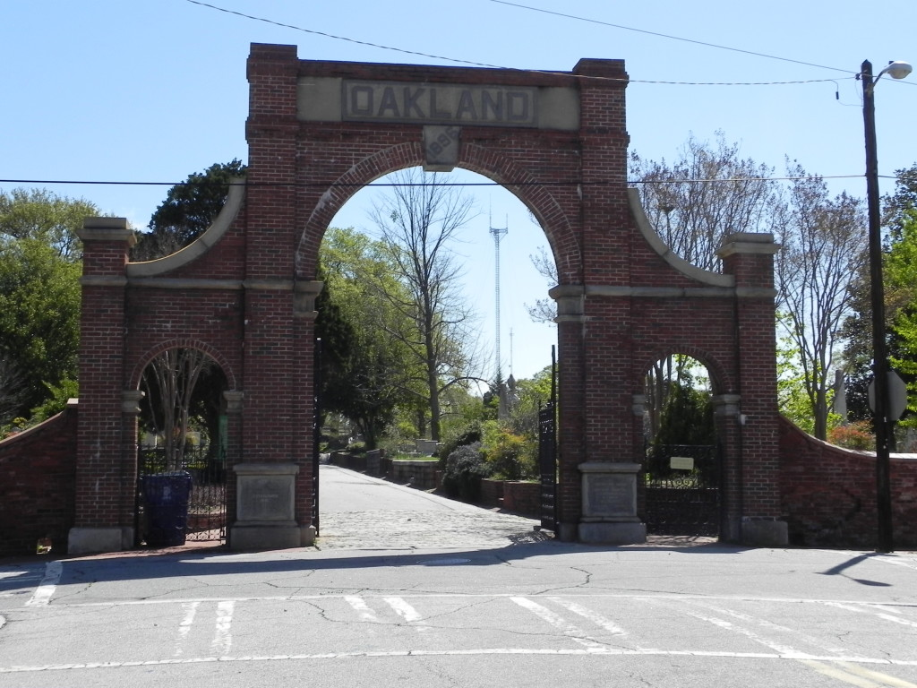 Oakland Cemetery, l'ingresso