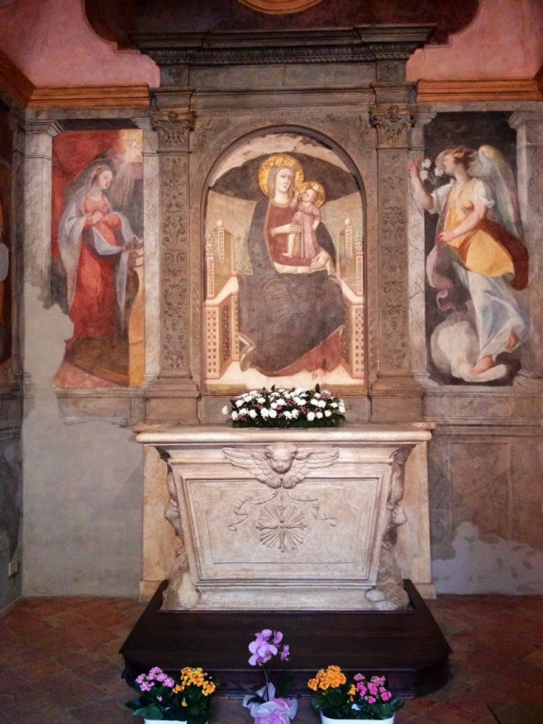 L'interno dell'Oratorio del Carmine