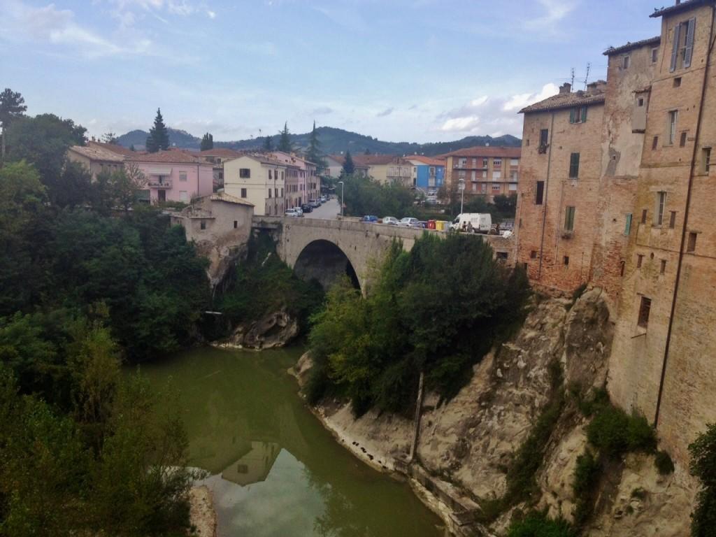 Urbania, scorcio sul fiume Metauro dal Palazzo Ducale