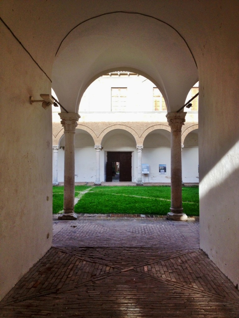 Il Chiostro del palazzo Ducale