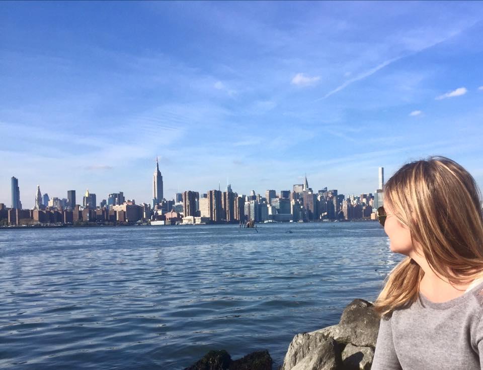Viaggiare da soli negli USA: Manhattan vista da Williamsburg