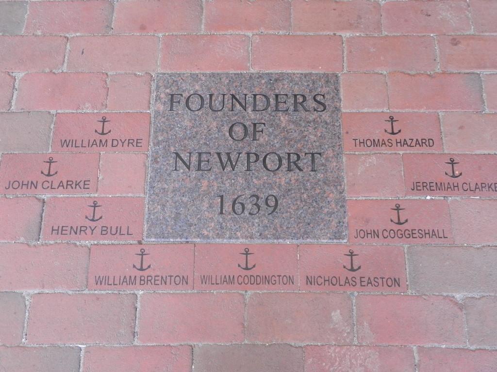 I nomi dei fondatori di Newport, all'ingresso del Museum of History