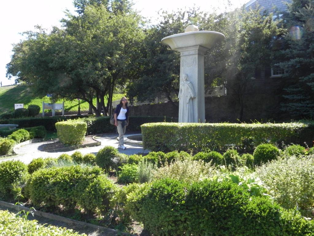Plymouth, monumento alle mogli dei Pilgrims Fathers