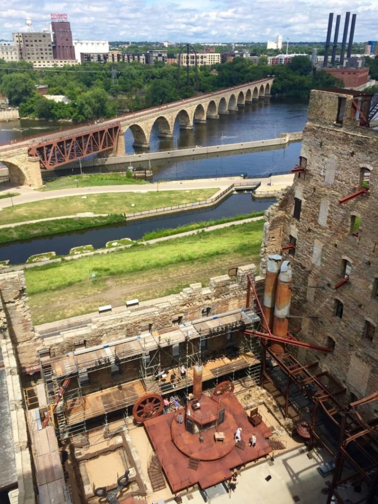 Discover Minnesota: the Mississippi River seen by the ruins of the Mills Museum, Minneapolis