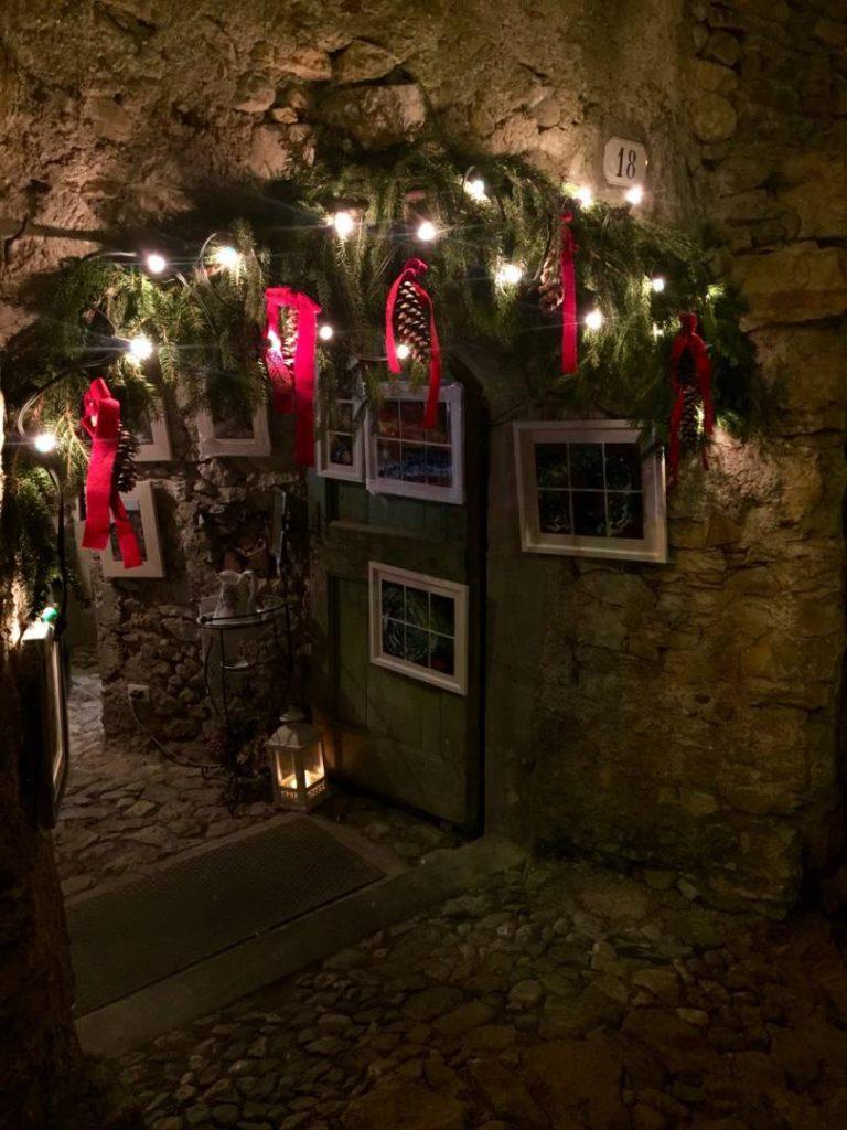 Weekend nel Garda Trentino: particolari del Mercatino di Natale di Canale di Tenno