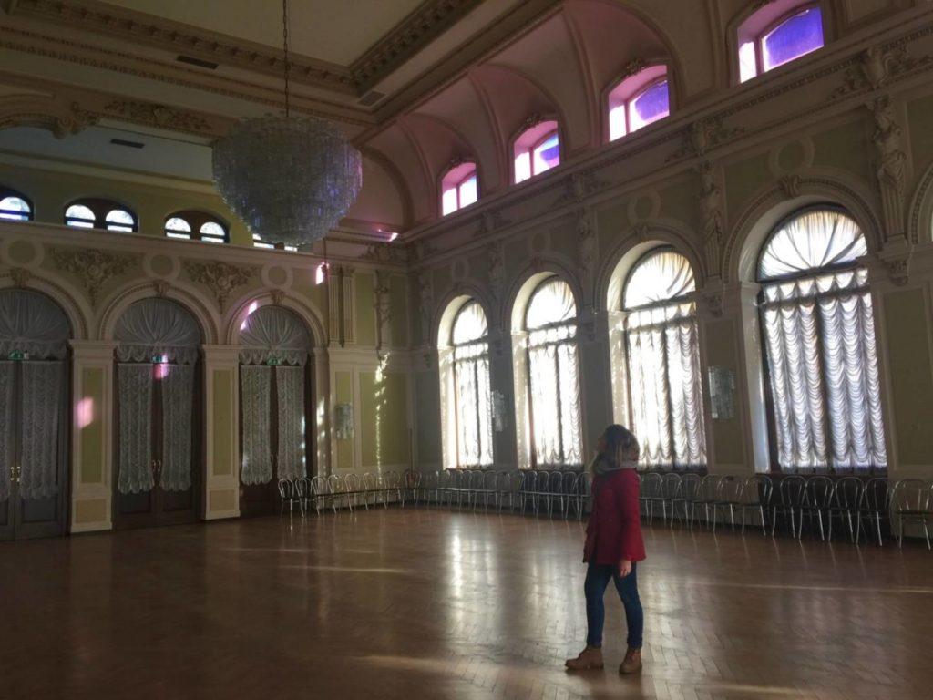 Weekend nel Garda Trentino: la sala dal ballo del Casinò Municipale