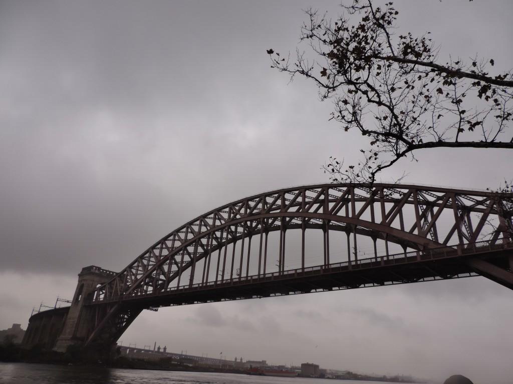 L'Hell Gate, il ponte che collega il Queens al Bronx