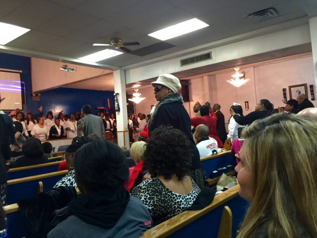 Gospel Mass in New York: listening to the chorus