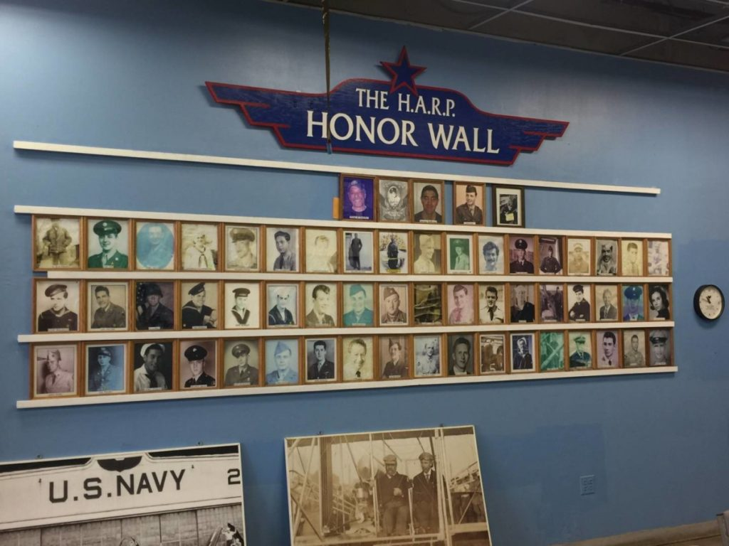 New York insolita: The Honor Wall