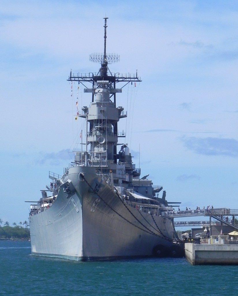 La USS Missouri...vista dalla corazzata Arizona