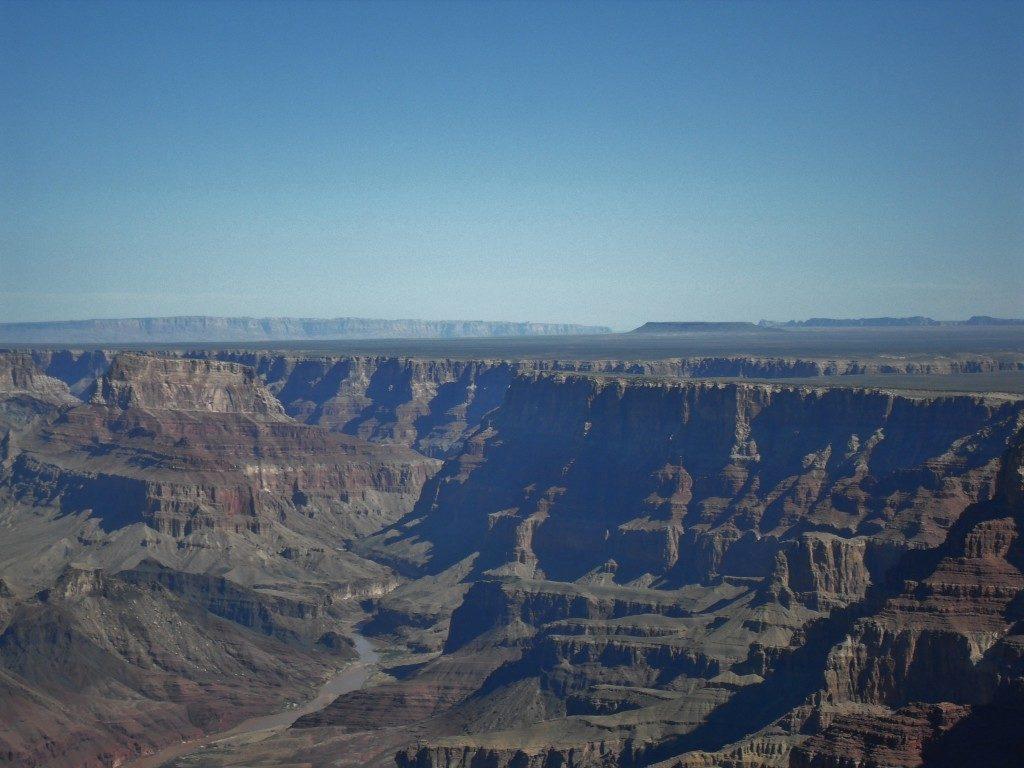Sullo sfondo, il Colorado River