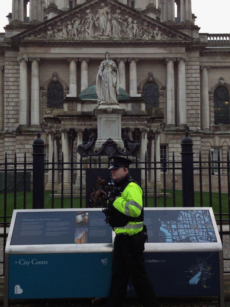 La statua della Regina Vittoria in Donegall Square