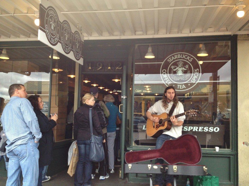 Il primo Starbucks della storia, quello del 1971