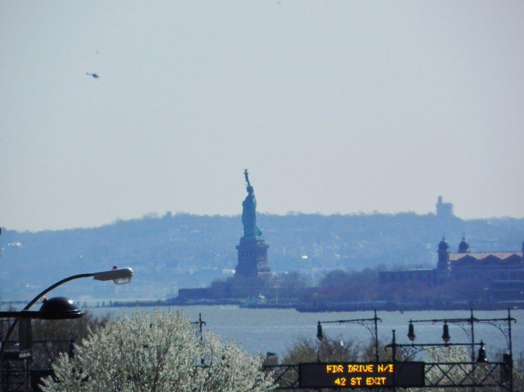"""Passeggiata """"con vista"""" sulla Statua della Liberta'"""