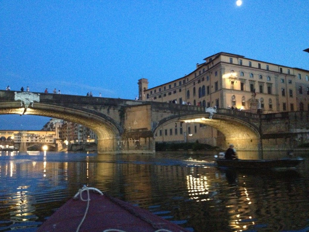 Rientrando verso Ponte Santa Trinita...