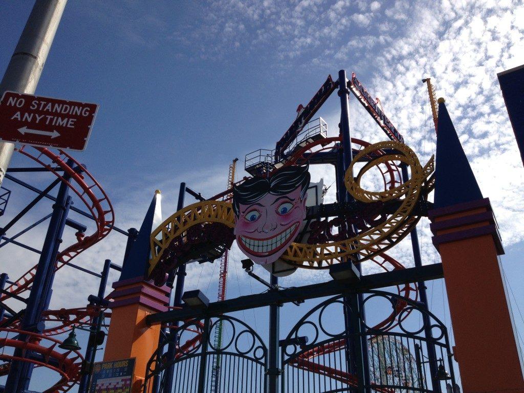Il Luna Park, di primo mattino...