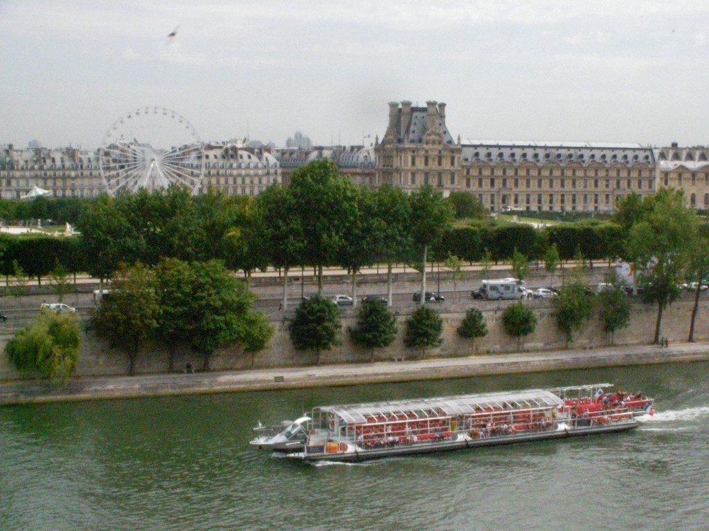 Il Louvre visto dal Museo d'Orsay